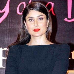 kareena-kapoor-khan-gorgeous-look-red-lipstick-rochele-pinto-book-launch-event