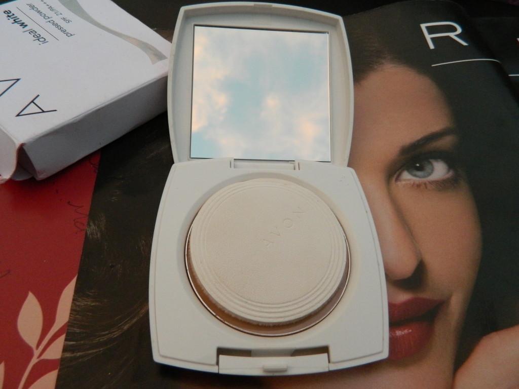 Avon Ideal White Pressed Powder