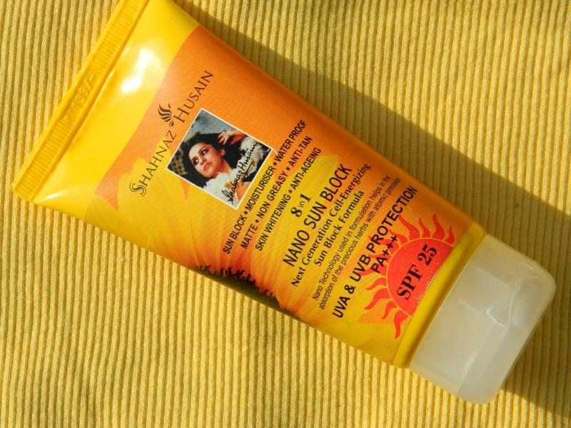 Shahnaz-Husain-8-in-1-Nano-Sun-Block-Review-800x600