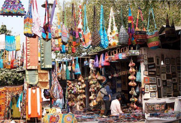 dili-haat-shopping-place-in-delhi