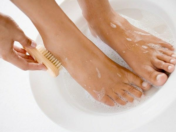 How To Do Pedicure At Home with Step by Step Guide