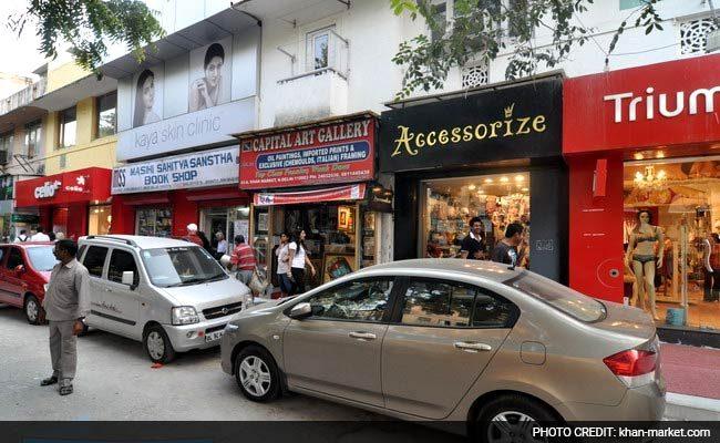 khan-market-delhi-street-shopping